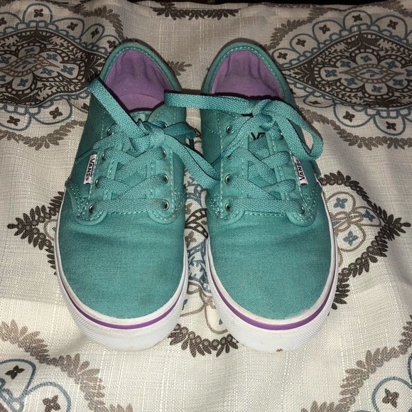 for whole family the best 50% off Girls Vans Sneakers. Teal, White, and purple.